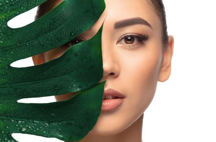 Skincare Girl – Green Leaf